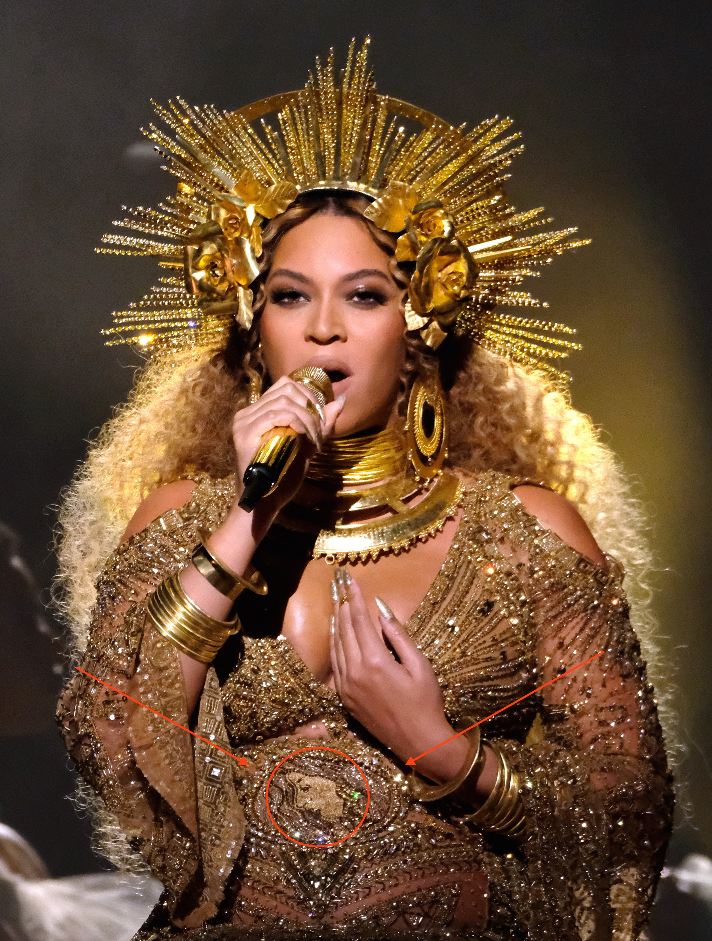 does beyonce write her own songs 50 cent disses beyonce: beck is way more talented than her — watch 50 cent disses beyonce: beck deserved to win grammy — kanye west.
