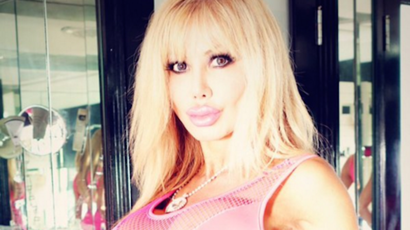 Blondie Bennett Barbieobsessed Woman Uses Hypnotherapy | Rachael Edwards