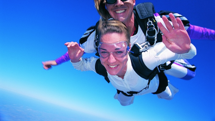 Husband tries to spice things up with his wife by attempting to murder her while skydiving.