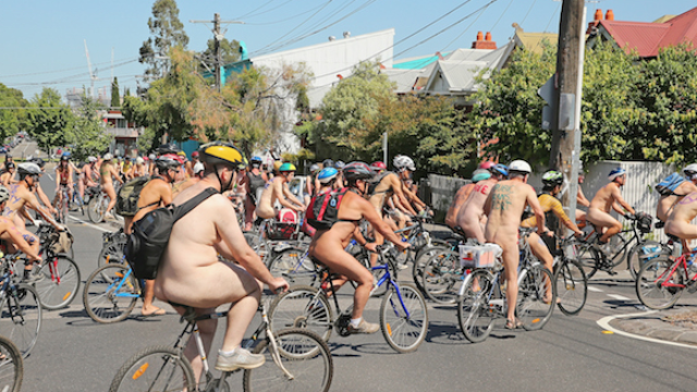 A man got kicked out of a nude cycling race for the exact reason you're thinking.