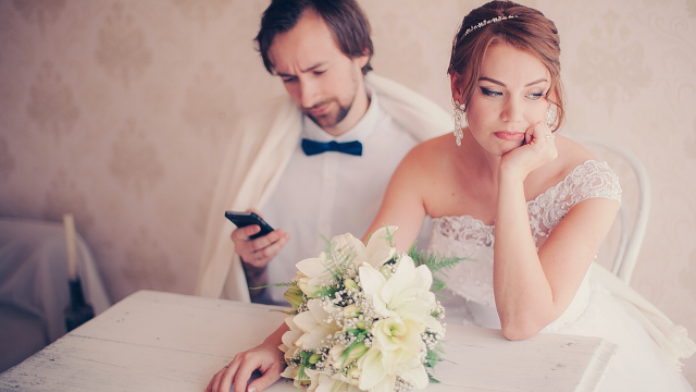 12 wedding employees reveal when they could tell the marriage wouldn't work out.