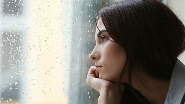 15 people share the behaviors that scream 'I'm depressed!' You're not alone.