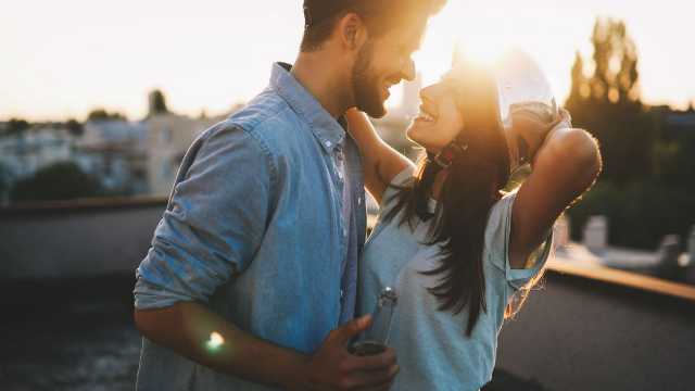 16 people share the sexiest traits that have nothing to do with looks. Love isn't built in the gym.