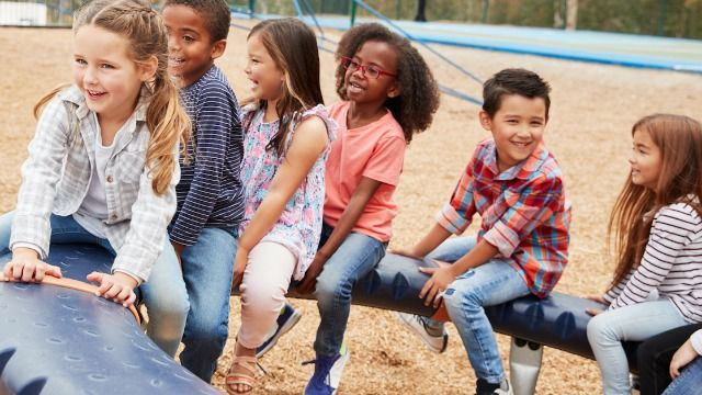 16 teachers and students share the weirdest things they witnessed a kid do at recess.