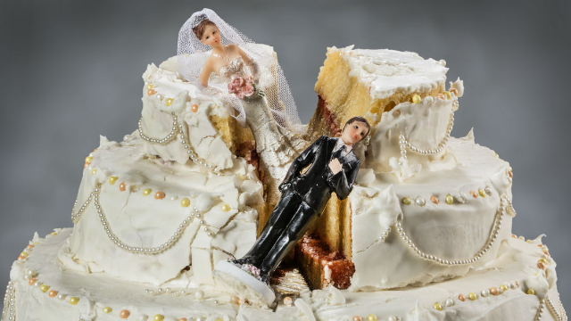 17 people share things you should never do at a wedding. Listen up, Uncle Jake.