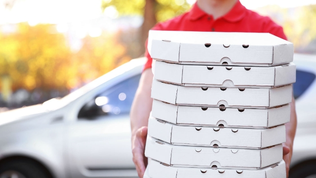 17 pizza delivery drivers share the strangest things they have seen at customers' houses.