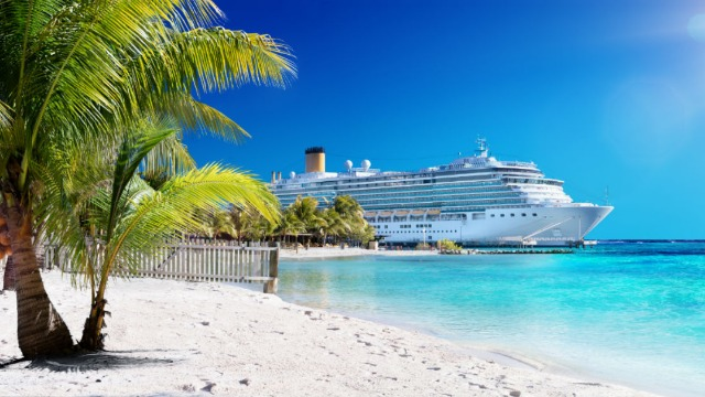 18 cruise ship employees share the secrets passengers aren't supposed to know.