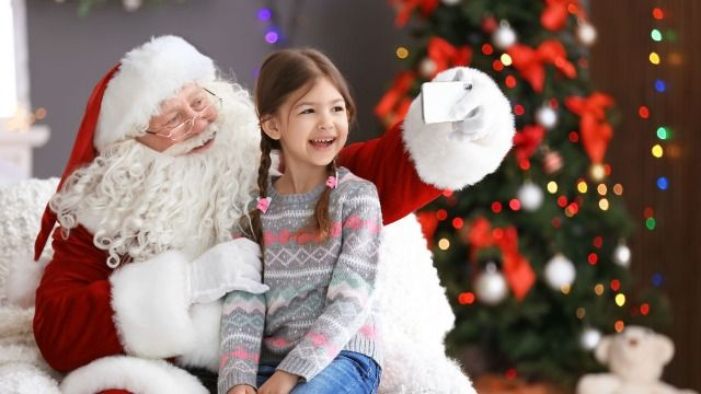 20 people who worked as mall Santas share the strangest and most memorable gifts a kid asked for.