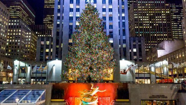e3mbk9atdpqxtm https www someecards com news news 23 funniest tweets very 2020 rockefeller christmas tree