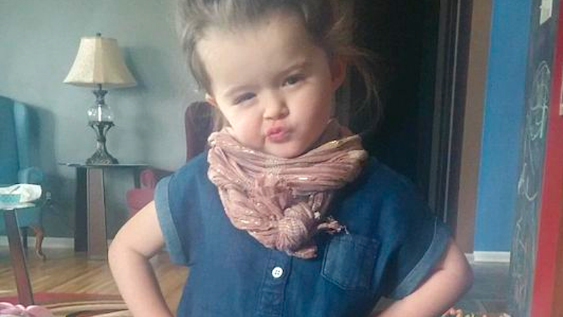 3-year-old singing Adele's 'Hello' may not be great at pronunciation, but she FEELS things.