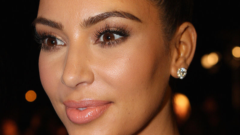 This is what Kim Kardashian looks like, in case you were wondering.