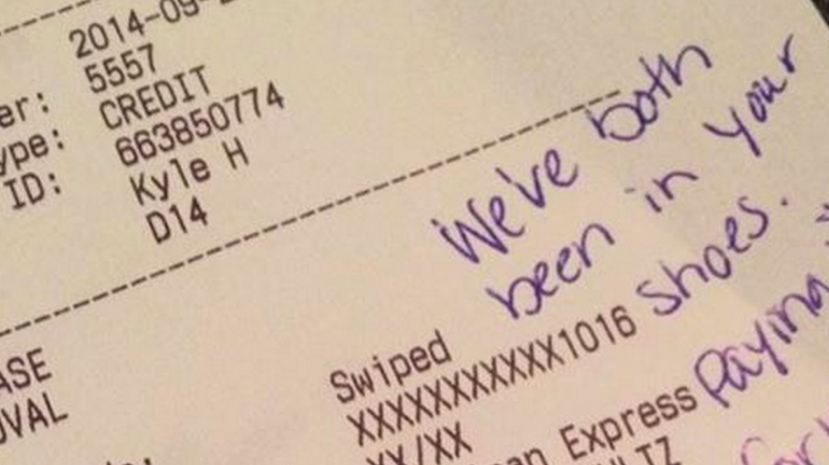 A couple left a huge tip after receiving terrible service at a restaurant.