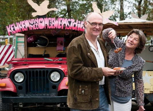 A food truck that sells parakeet, pigeon and horse to draw attention to food waste.