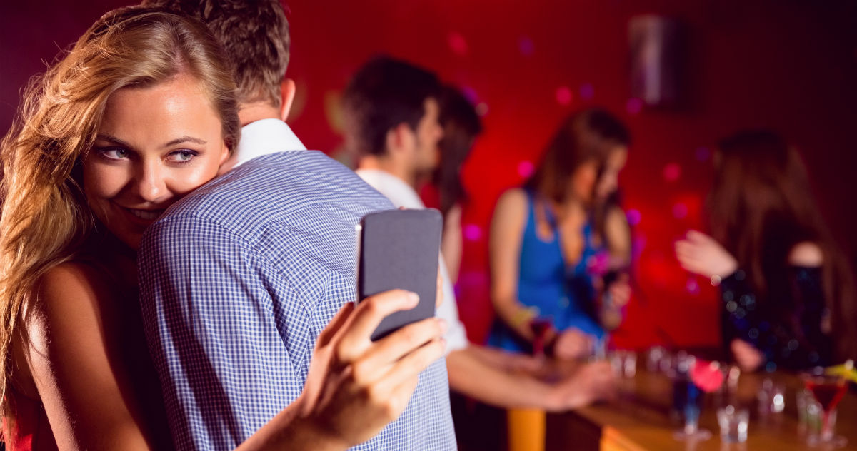 A drunk woman stole $2000 from a guy at bar. Now it's a lesson on rape culture.