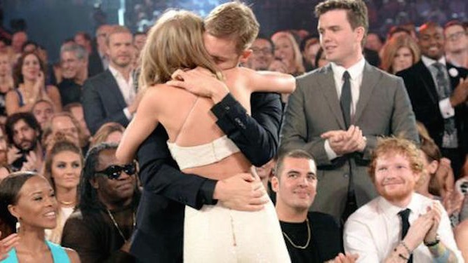 After last night's Billboard Music Awards, it's pretty obvious who Taylor Swift is dating.