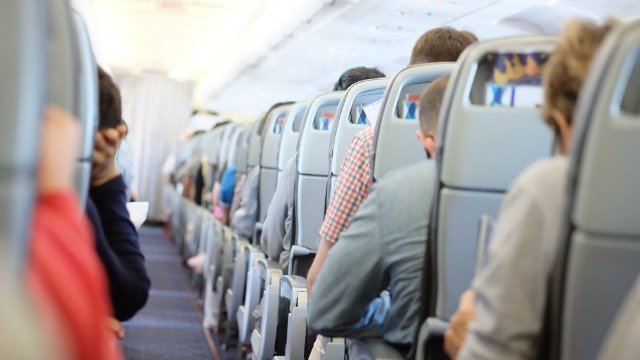 People respond to 'Airplane Karen' getting kicked off plane for refusing to wear mask.