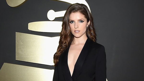 Anna Kendrick tweets her demand for some 'Game of Thrones' penis.