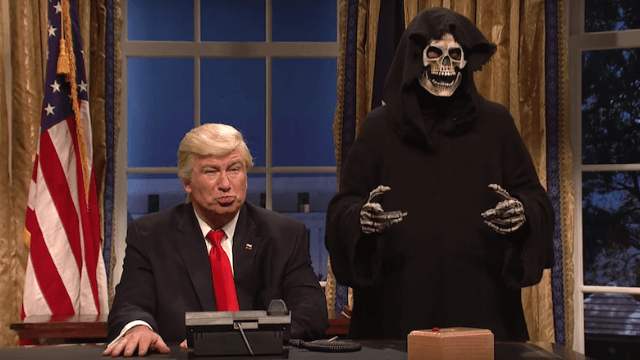 Alec Baldwin's Trump takes terrible advice from skeleton Steve Bannon in 'SNL' opener.