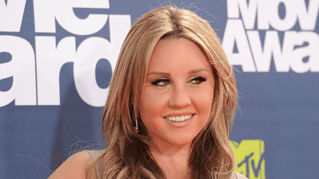 Amanda Bynes finally explains that time she told Drake to 'murder' her vagina. Hint: drugs.