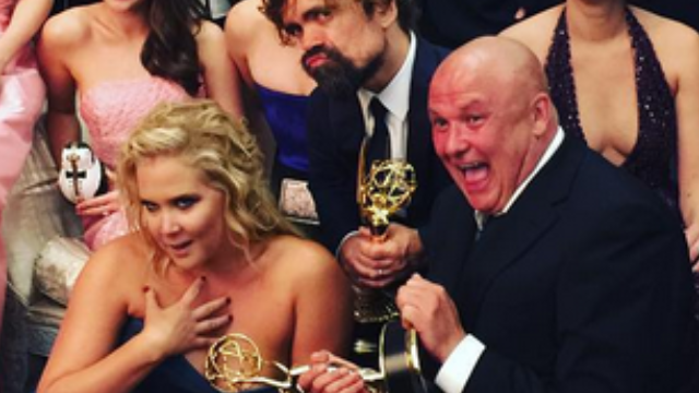 Amy Schumer photobombed the 'Game of Thrones' cast photo at the Emmys.
