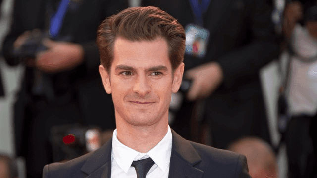 Andrew Garfield Lip Syncs Whitney Houston's 'I'm Every Woman' at Drag Show