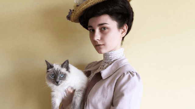 This 17-year-old's vintage-inspired photos will make you wonder where she got her time machine.
