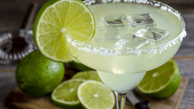 Applebee's is selling $1 margaritas for a month and Twitter can't handle it.