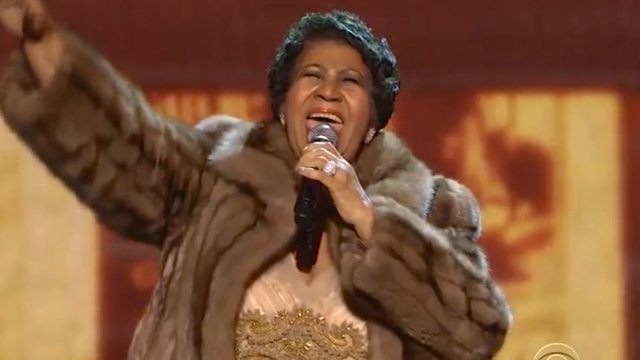 Everyone totally lost it when Aretha Franklin performed 'A Natural Woman' at an award show.