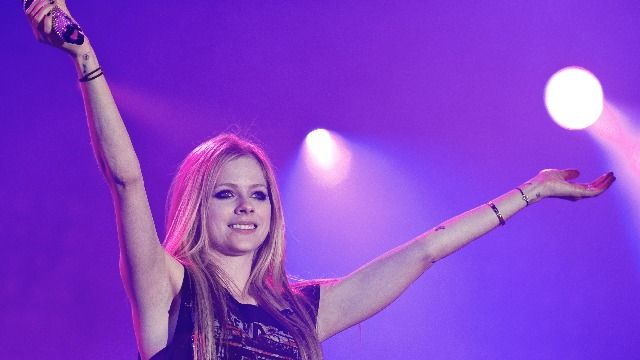Avril Lavigne drops 'Sk8er Boi' video with Tony Hawk for first ever TikTok