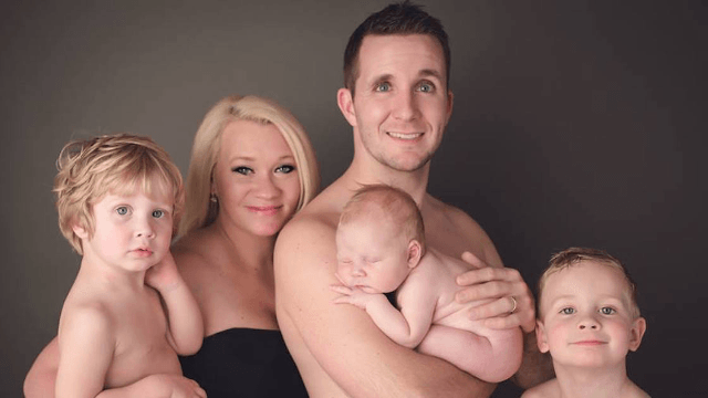 Newborn Baby Pees During Photo Shoot Making For Two Shocked Parents And One Authentic Picture