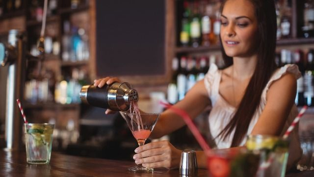 18 bartenders share the most messed up things they've overheard or witnessed at work.