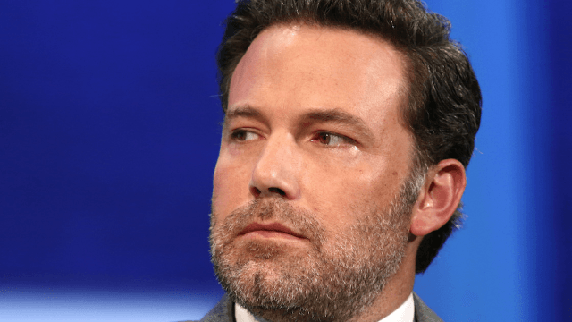 Ben Affleck apologizes today for behavior he criticized in others yesterday.