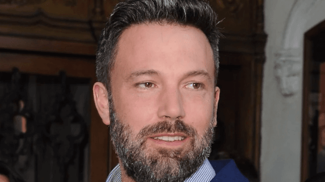 Video of Ben Affleck groping a TV host in 2004 goes viral for obvious reasons.