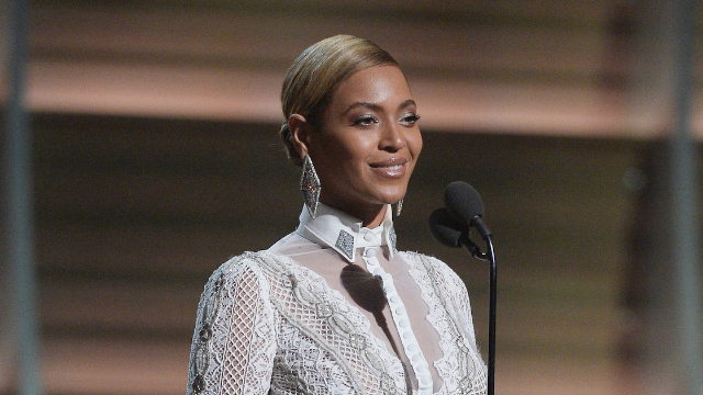 Watch cool mom Beyoncé perform 'I Will Always Love You' at a school fundraiser for Blue Ivy.