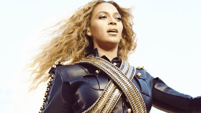 Beyoncé kicked off her Formation World Tour by dedicating a song to Jay-Z, a guy everyone hates now.