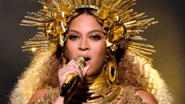 Twitter reacts to Beyoncé at the Grammys.