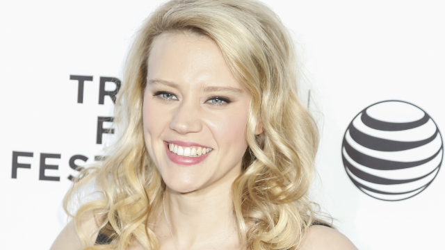 Kate McKinnon tricked people into thinking she's Reese Witherspoon in hilarious viral video.