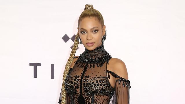 Nurse's blackface Beyoncé costume goes viral and she loses her job. Girl, bye.