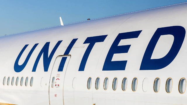 Politician accuses pilot of mansplaining the United controversy. There's just one problem.