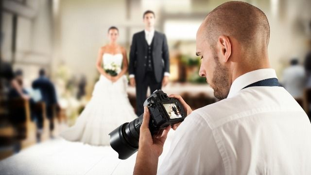 Bride asks if she'd be wrong to sue for a refund from wedding photographer.