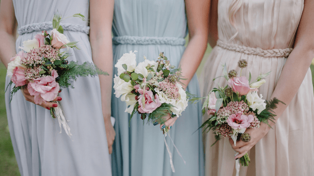 Worst bride ever asks her bridesmaids to help pay for her 'dream dress.'