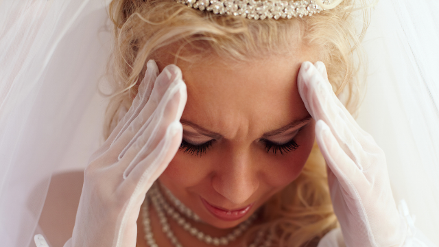Woman calls out bridezilla cousin for fat-shaming her for refusing to be her bridesmaid.
