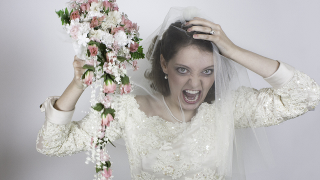 Bridezilla enforces ugly $1,000 dress code based on weight. That's not even the worst part.