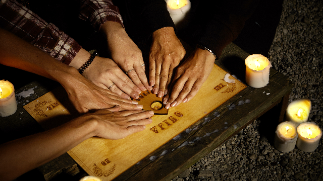 Brother's genius Ouija board prank on sister leaves her terrified of ghosts.