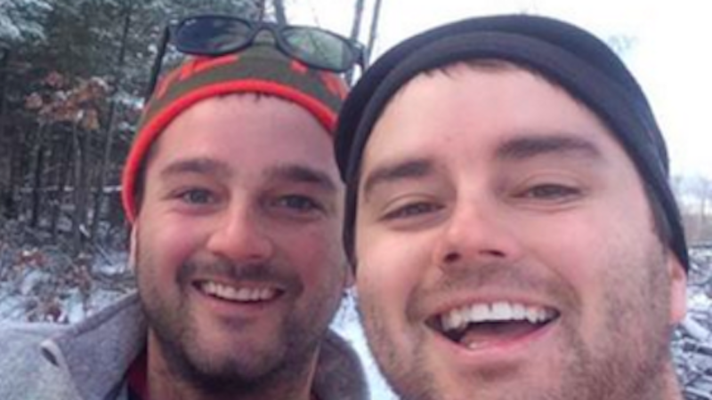 Brothers take spectacular selfie with a majestic animal they rescued from a trap.