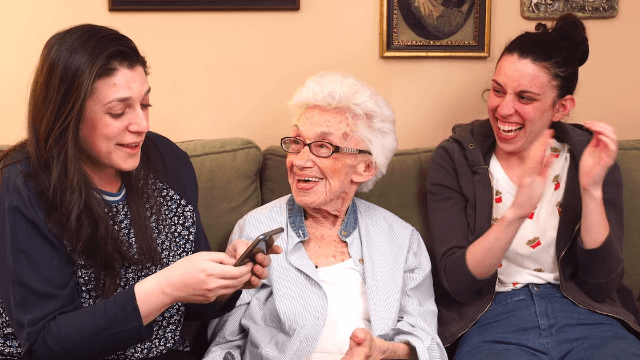 A grandma gives her best dating advice for ladies on Tinder. No tattoos, gentlemen.