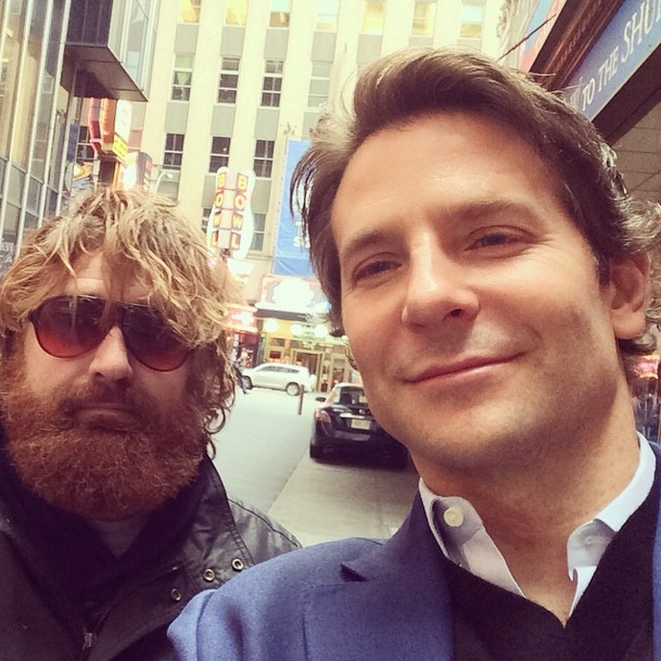 Zach Galifianakis lookalike rakes in $250k/year impersonating Alan from The Hangover in Vegas.