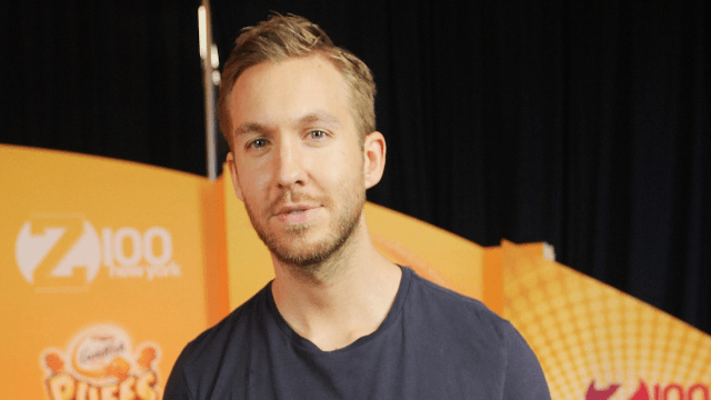 Calvin Harris grits his teeth, tries to seem cool with Howie Mandel's onstage burn about Taylor Swift.