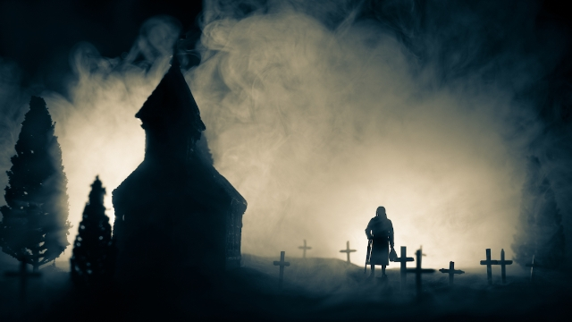 People who work in cemeteries and graveyards share the creepiest things they have seen.