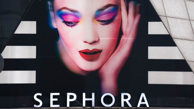 A child destroyed $1300 worth of makeup at Sephora and the photos hurt to look at.